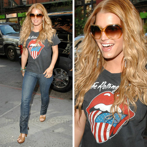 This was taken when she dated John Mayer. I miss her style from that phase!