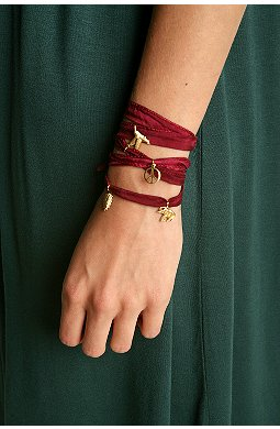 I have been meaning to make a bracelet like this one!