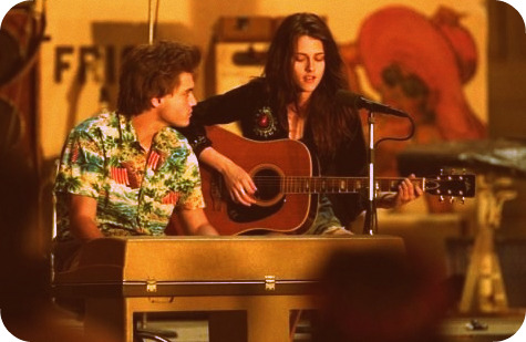 Emile Hirsch and Kristen Stewart in Into The Wild (post soon!)