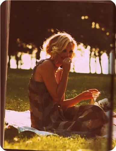 Kate Hudson picnic