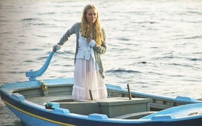 Amanda Seyfried in boho skirt in Mamma Mia