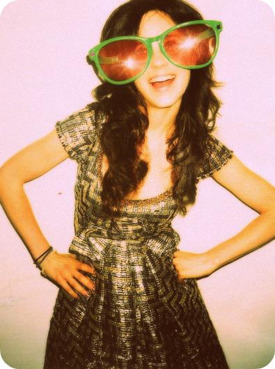 Zooey Deschanel in big sunglasses