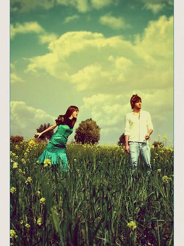 girl,and,boy,headphones,music,photography,summer-39f653f309525b31ac53834b3c61b513_h